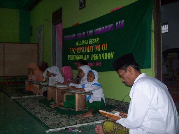 Guru dan Santri dalam acara Maulid Nabi